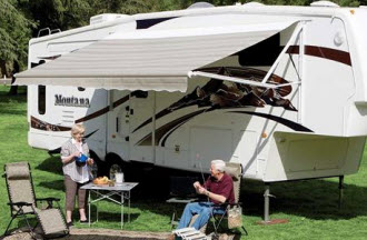 Retractable awnings provide RV owners with attractive ...